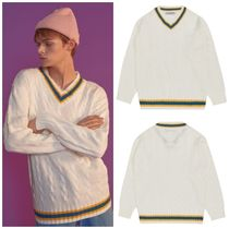 日本未入荷BLOND9のV Neck Radiant Knit Sweater