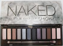アイメイクが上達! Urban Decay NAKED SMOKY Eyeshadow Palette