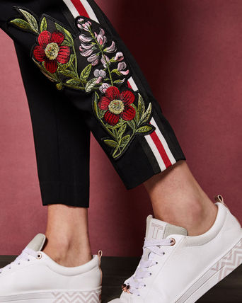 TED BAKER パンツ TED BAKERテッドベイカー★MADLYNE Floral detail trousers(4)