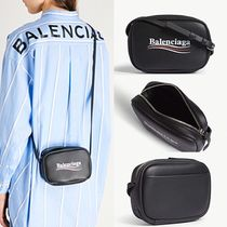 BALENCIAGA[Everyday XS logo leather camera bag] 関税送料込み