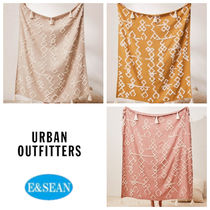 【Urban Outfitters】Geo Tufted Tasselブランケット全3色