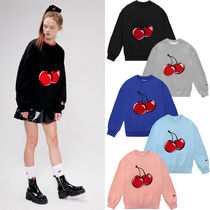 214. 2/11予約配送 IZ*ONE着用商品 BIG CHERRY SWEATSHIRT IS