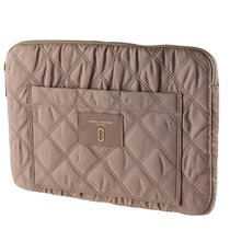Marc by Marc Jacobs(マークバイマークジェイコブス) バッグ・カバンその他 返品可能 MARC JACOBS 13インチ ノートPCケース【国内即発】