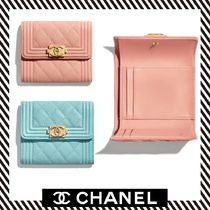19SS【CHANEL】 Petit portefeuille BOY CHANELフラップ付き
