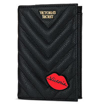 VICTORIA'S SECRET Embellished V-Quilt Passport Cover Vキルト