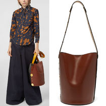 M572 CALF LEATHER PUNCH BUCKET BAG
