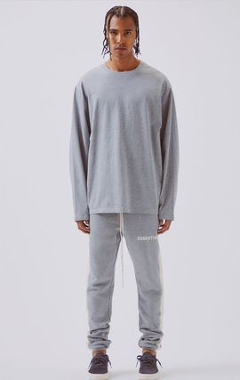 FEAR OF GOD Tシャツ・カットソー FOG  Fear Of God Essentials Boxy Graphic Long Sleeve T-Shirt(18)