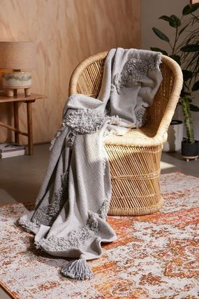Urban Outfitters ブランケット 【UrbanOutfitters】☆日本未入荷☆ Rosie Tufted Throw Blanket(5)