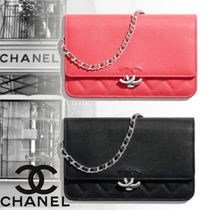 CHANEL 19ss【直営店】Wallet on chain チェーンウォレット 2色
