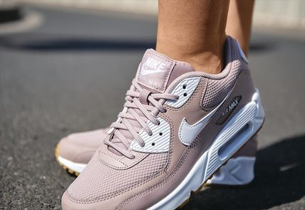 new style b4091 938a5 Nike Air Max 90 W DIFFUSED TAUPE 325213-210