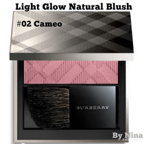 """【BURBERRY】チークパウダー """"Light Glow Natural Blush"""""""