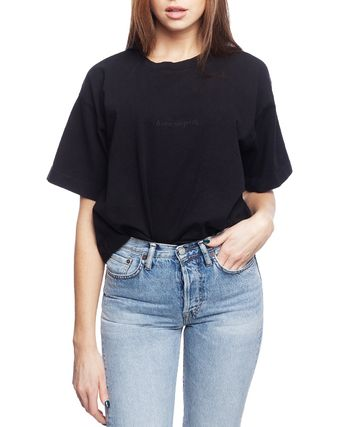 Acne Tシャツ・カットソー [Acne] Cylea Emboss Black Tee フロントロゴ入ボクシーTシャツ