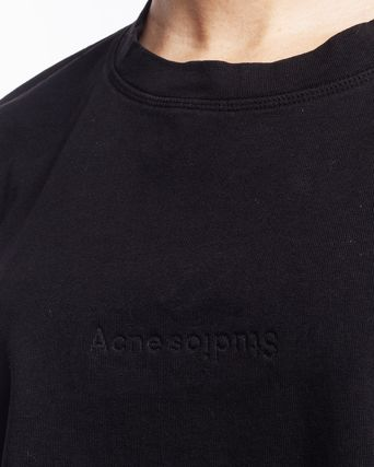 Acne Tシャツ・カットソー [Acne] Cylea Emboss Black Tee フロントロゴ入ボクシーTシャツ(3)
