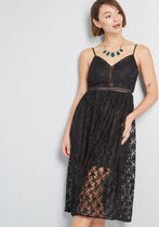 Star on the Rise Lace Midi Dress