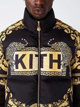 入手困難アイテムKITH x Versace Reversible Down Jacket