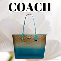 COACH コーチ Reversible City Tote in Ombre Signature Canvas