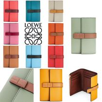 【LOEWE】ポップで可愛い Small Vertical Wallet 全色