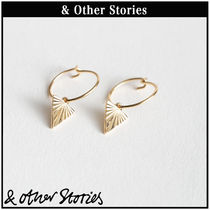 【 & Other Stories 】Triangle Beam Hoops ピアス  0637555001