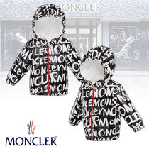 【MONCLER】COSSON レタリングプリント ジップアップパーカー