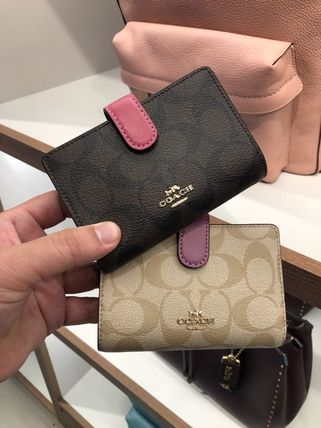 【即発】COACH◆MEDIUM CORNER ZIP◆二つ折り財布◆F23553