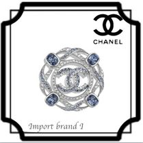 【CHANEL】正規店購入品* Brooch Silver, blue & crystal