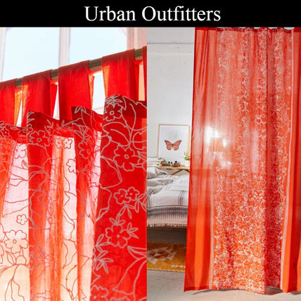 Urban Outfitters カーテン 【Urban Outfitters】オレンジに白い花柄*薄手コットンカーテン*