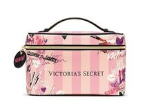 人気商品★Victoria's secret Graffiti Weekender Train Case★