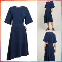 【送料・関税等込み】Drawstring cut-out crepe midi dress
