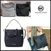 【Michael Kors】 HAYES LARGE BUCKET BAG