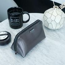 【BLANC BLACK】Triangular cosmetic pouch [2color]