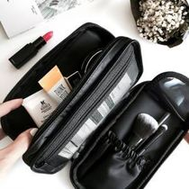 【BLANC BLACK】Two-stage brush & cosmetic pouch