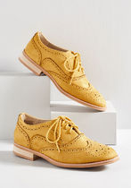 Talking Picture Oxford Flat in Mustard Yellow