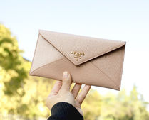 PRADA VITELLO ENVELOPE WALLET (BEIGE/RED)