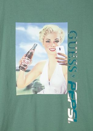 Guess Tシャツ・カットソー 人気☆【GUESS×PEPSI】☆登板 グラフィック 半袖 Tシャツ ☆3色(4)