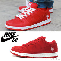 NIKE SB × Girls Don't Cry Dunk Low Pro Qs ダンク