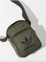 ★Urban Outfitters★adidas★コラボ商品・斜めがけバッグ・黒色