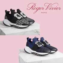 【Roger Vivier】Viv 'Run Strassバックルスニーカー