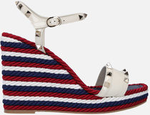 【VALENTINO】Rockstud wedge sandals in patent leather