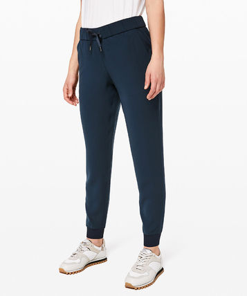 lululemon フィットネスボトムス ヨガや旅行先に!ジョガーパンツ★On The Fly Jogger(8)