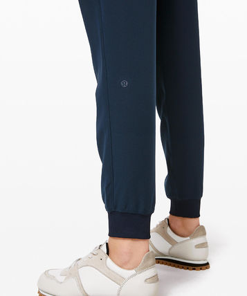 lululemon フィットネスボトムス ヨガや旅行先に!ジョガーパンツ★On The Fly Jogger(12)