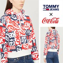 [TOMMY JEANS]トミー×コカコーラ/オールプリントロゴパーカー
