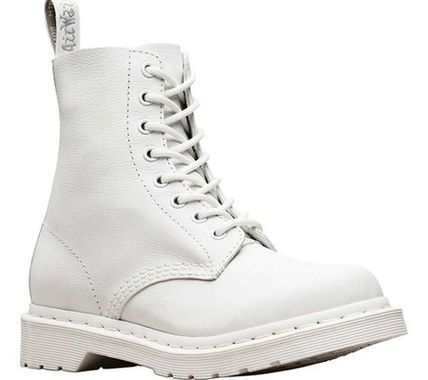 【SALE】Dr. Martens Pascal 8-Eye Boot (Women's)