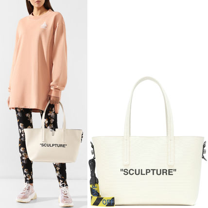 OW126 SCULPTURE CANVAS TOTE