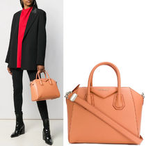 G489 SMALL ANTIGONA BAG IN GRAINED LEATHER
