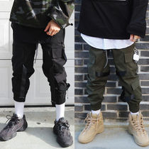 LAUL★BTS ジョングク愛用 TRIPLE POCKET STRAP CARGO PANTS 2色