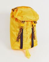 The North Face Lineage rucksack 23 litres in yellow
