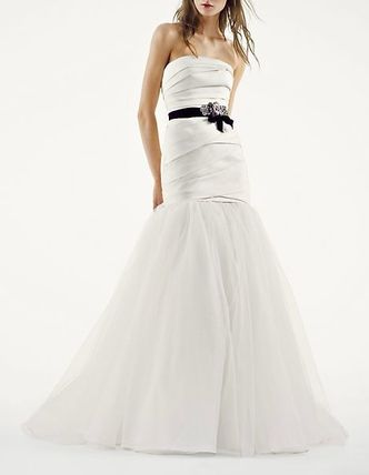 White by Vera Wang [在庫確保済み&関税なし] Fit and Flare