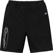Supreme Champion Outline Sweatshort SS19