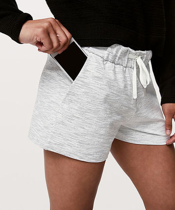 lululemon ショートパンツ シンプルショートパンツOn The Fly Short -Wee Are From Space(2)
