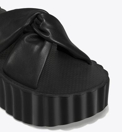 Tory Burch シューズ・サンダルその他 関税・送料込TORY BURCH☆SCALLOP KNOTTED-LEATHER WEDGE SLIDE(5)